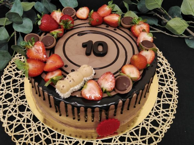 Stékaný dort čokoládový