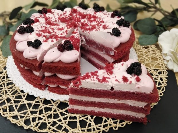 Ostružinový dort s mascarpone