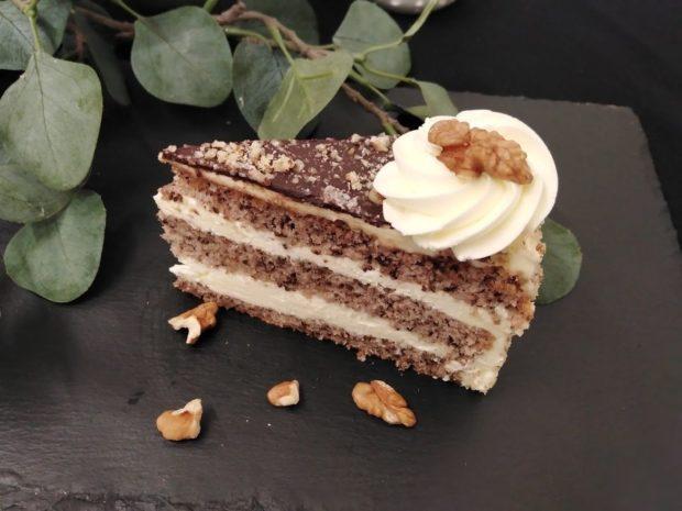 Ořechový dort - díl