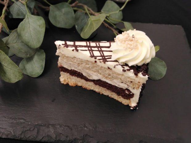 Prokládaný máslový dort - díl